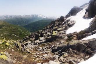 Steinige Kletterei