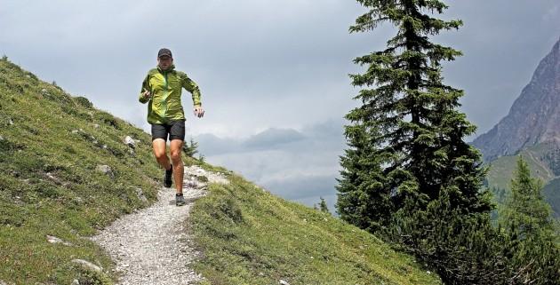 Running vor dem Wettersteingebirge