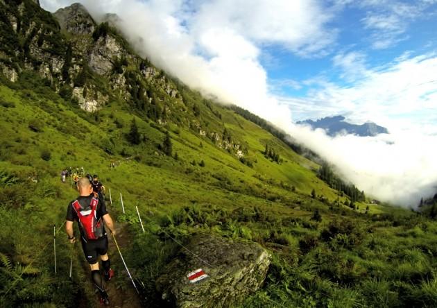 Kurz nach dem Start zum Sardona Trail