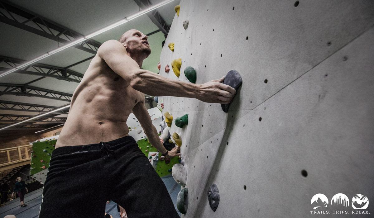 Steve an der Wand