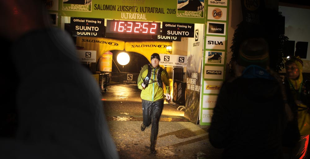 Zieleinlauf nach 16:32.49h (16:31:49h netto)