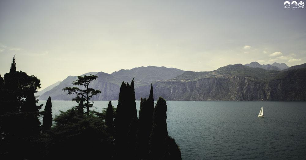 Blick von Malcesine auf den Gardasee