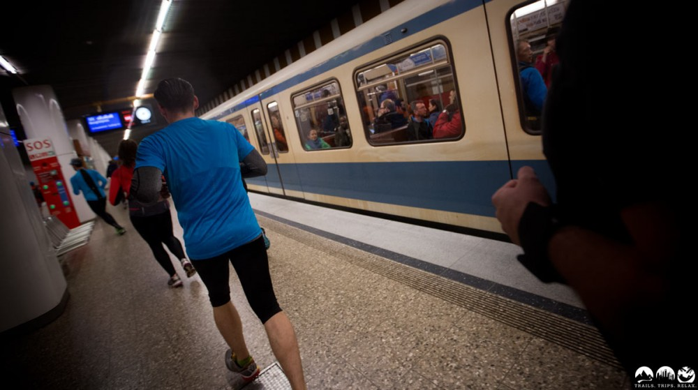 Wettlauf mit der U-Bahn. Verdutzte Blicke inklusive