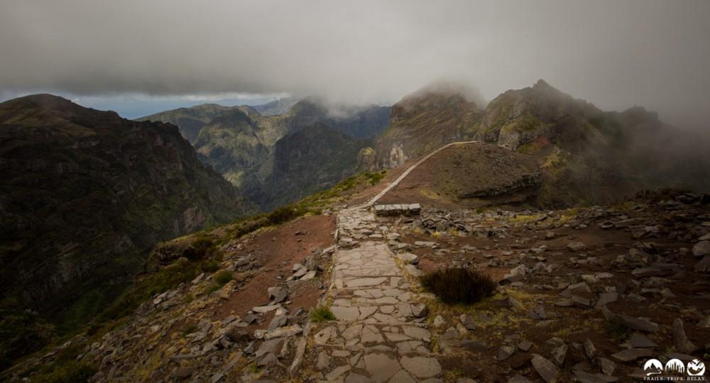 Wenn das Wetter mitspielt ist der Weg im Gebirge ein Traum.