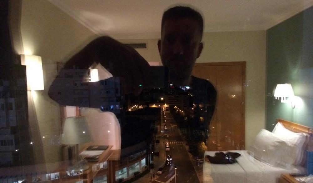 Der Blick auf das nächtliche Lissabon