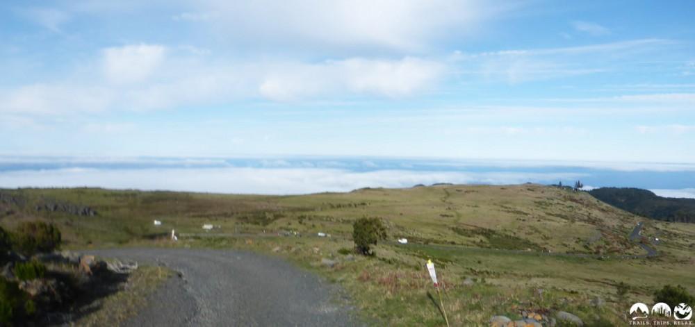 Über eine kleine Ebene zum Downhill nach R. Frio
