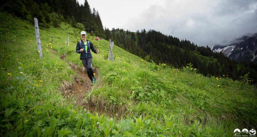 Downhill durch die Wiese