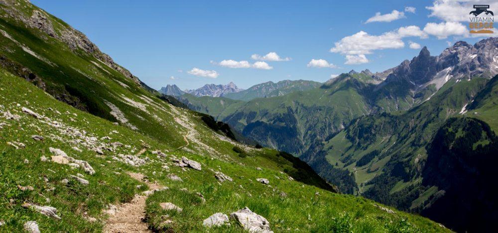 Auf dem Krumbacher Höhenweg Richtung Fiderepass