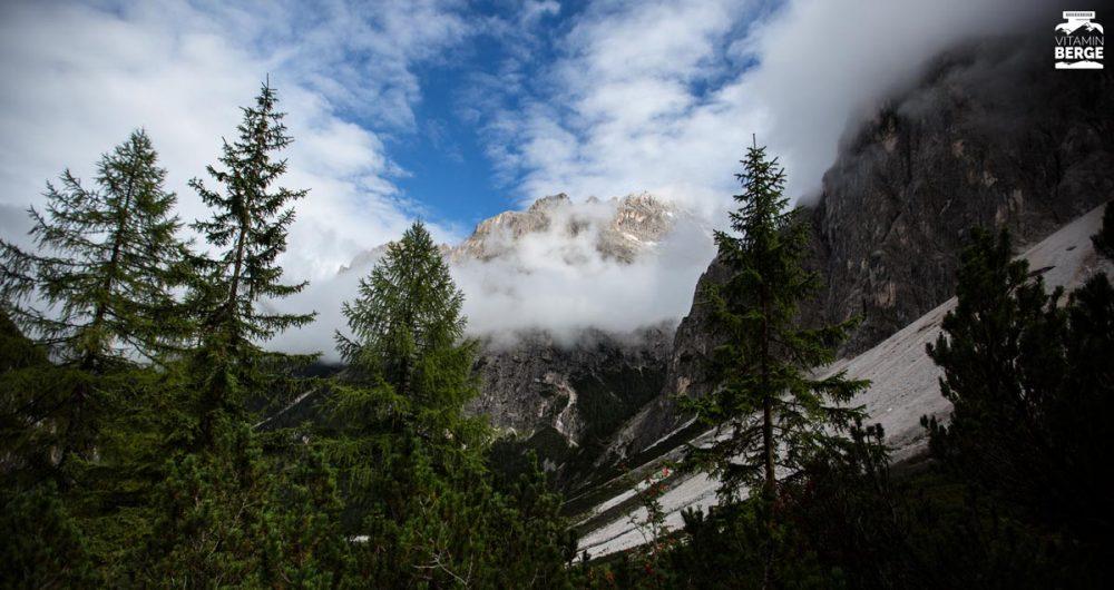 Bim Abstieg ins Tal lichtet sich der Himmel