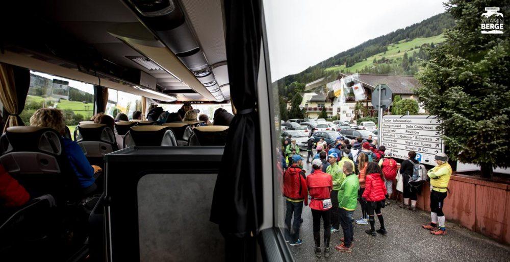 Abfahrt des Shuttle-Busses in Sexten
