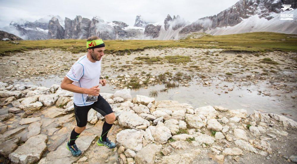 Über Bäche mit Dolomiten Panorama