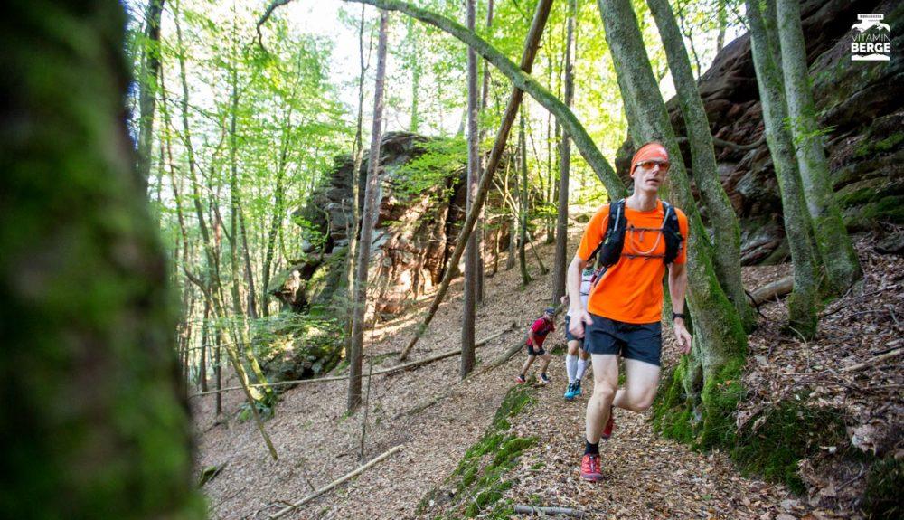 Viele Felsen neben und hinter dem Trail.