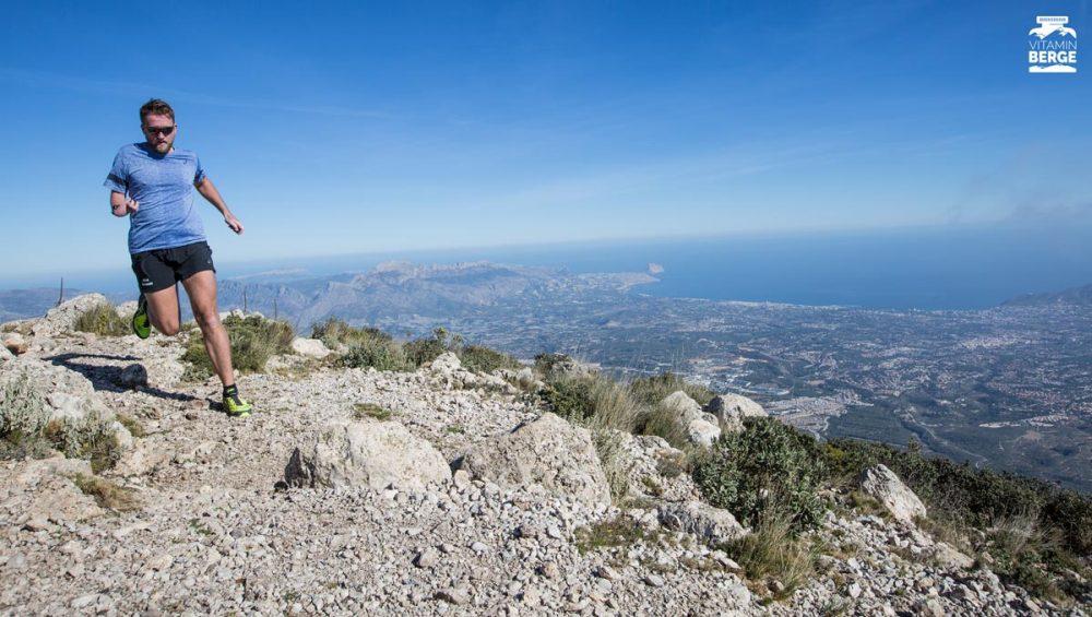 Skyrunning auf dem Gipfel des Puig Campana
