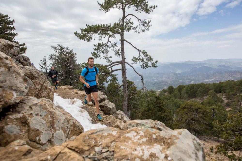 Ein niederländischer 400m-Läufer auf dem Trail.