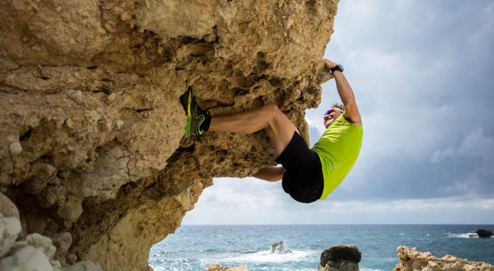 Am Küstenfels klettern