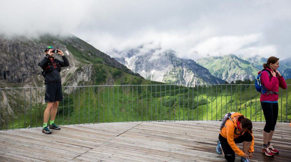 Erinnerungen festhalten auf der Bergstation der Kanzelwandbahn.