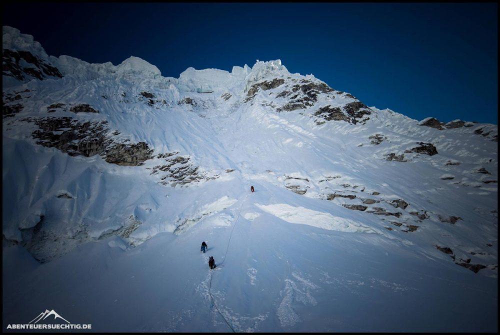 Aufstieg zum Schnee in der Cordillera Blanca