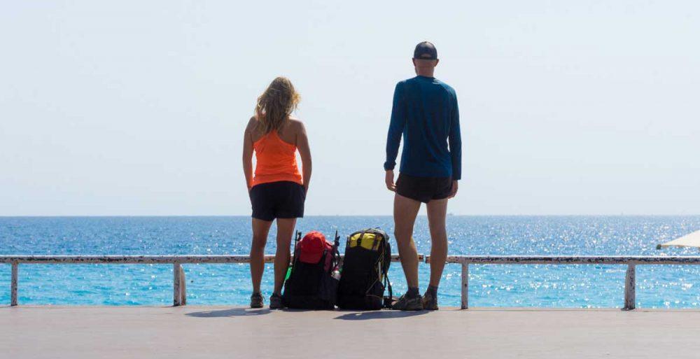 Angekommen: Alex mit seiner Freundin in Nizza.