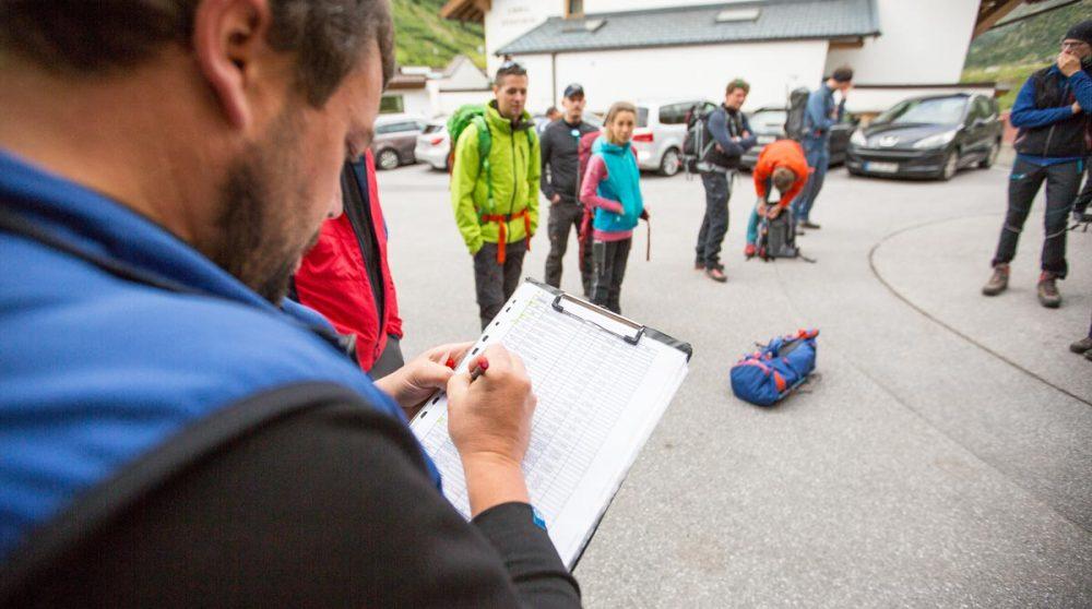 Vorbereitung und Aufteilung der Gruppen am Morgen