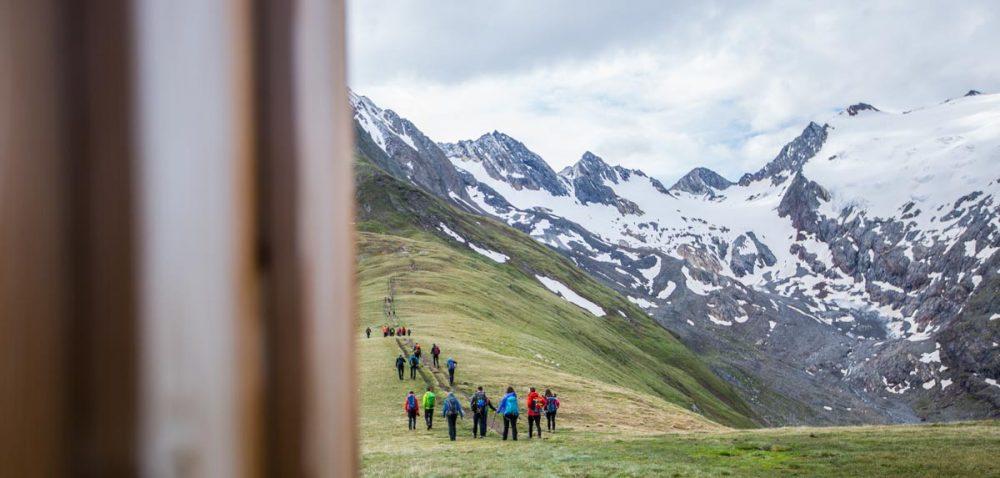 "Entlang dem Sattel von der Bergstation ""Hohe Mut"""