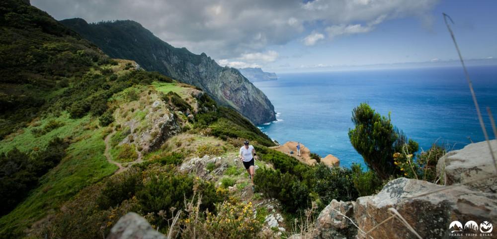 Auf Madeira muss die Farbenpracht der Landschaft mit aufs Bild.