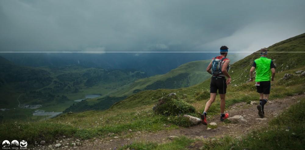 Die Grenze zwischen Berg und Wolken genutzt